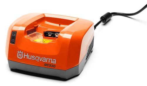 Nabíječka baterií Husqvarna QC330